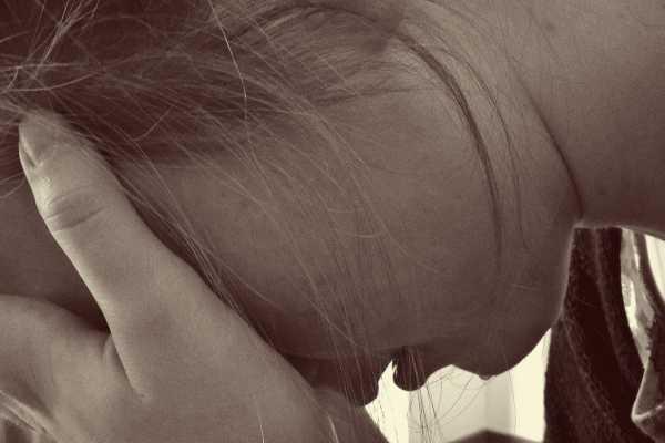 Fejfájás szülés utáni depresszió miatt
