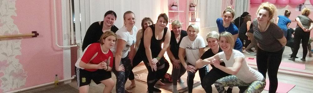 vežbe za žene - složna zajednica se slika