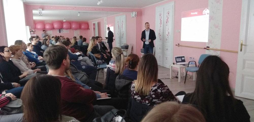 dr Ivan Bojovic predaje u školi za trudnice i roditeljstva Anahitas Subotica